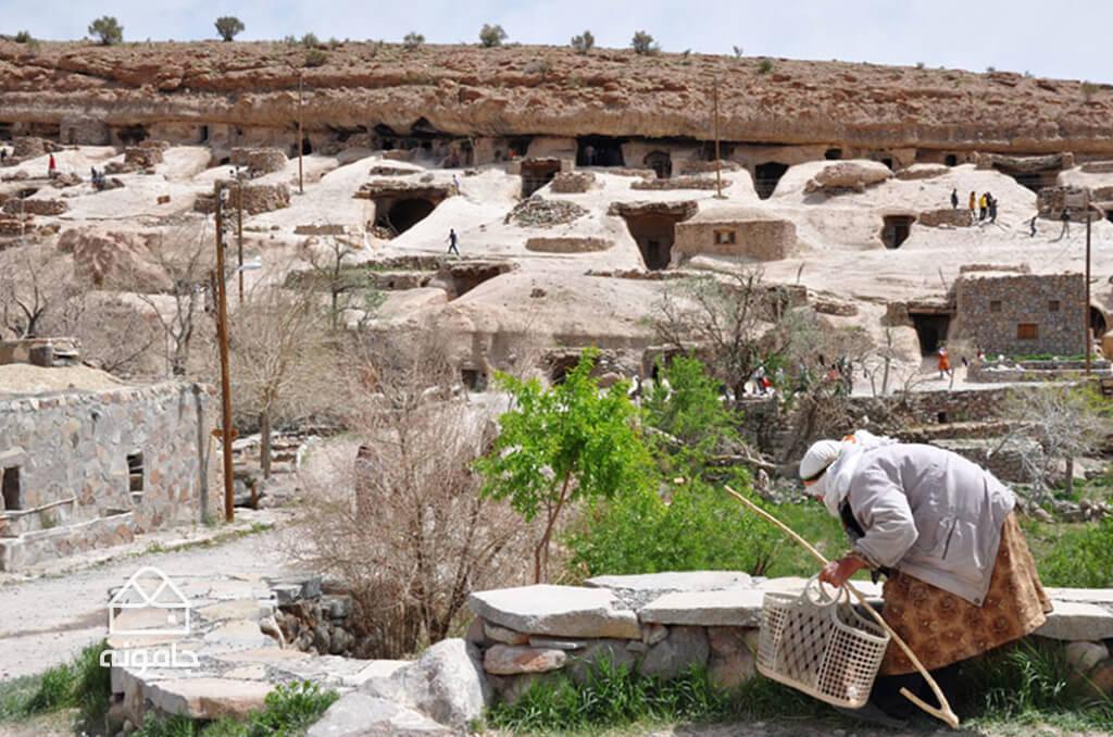 روستای صخره ای میمند کرمان