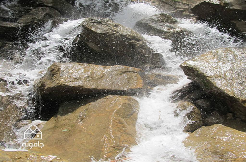 آبشار آینه رود تهران (روح افزا)
