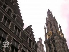 شهری بزرگ در شمال بلژیک با جمعیتی بیش از پانصد هزار نفر