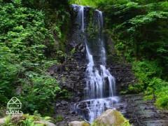 قدم های خیس کند، راهنمای گشت و گذار در آبشار کند
